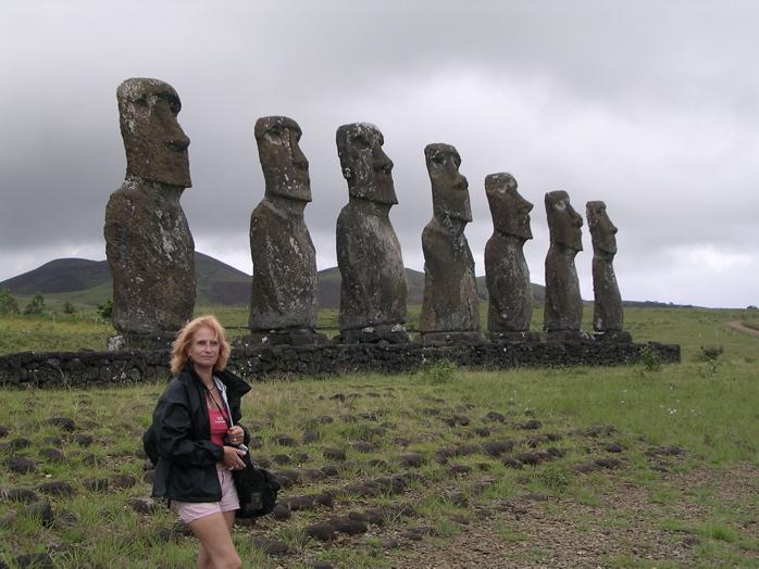 l'ahu Akivi et ses 7 moai