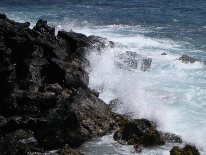 côte basaltique de Rapa Nui