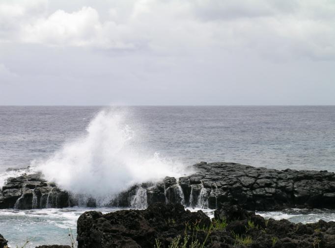 bord de côte île de Pâques