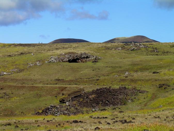 Site ahu Akahanga : entrée grotte naturelle