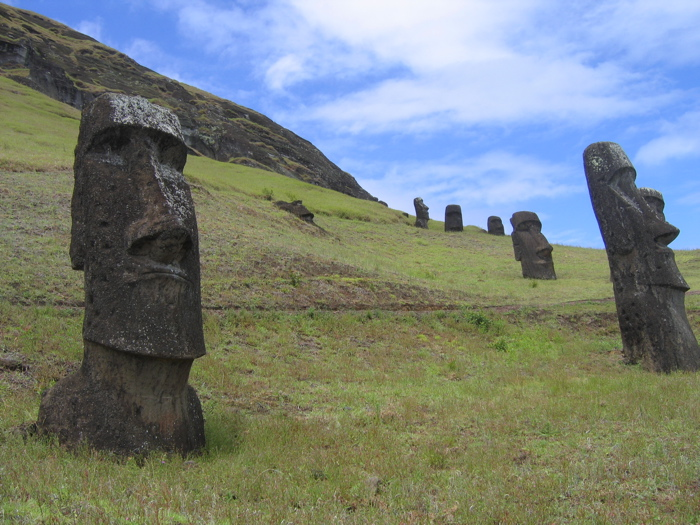 moai du volcan Rano Raraku