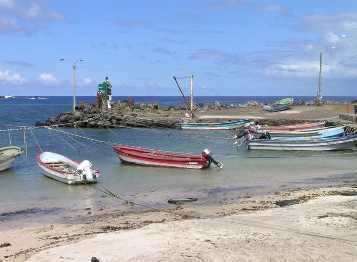 plage du petit port de Hanga Roa