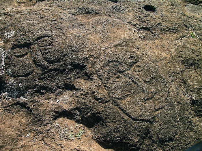 pétroglyphes du dieu Make Make